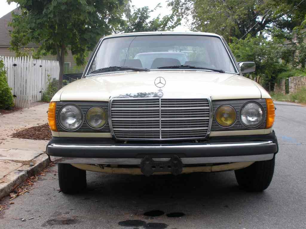 Mercedes-Benz Model 123 Series Workshop Service Repair Manual 1977-1985  (9,000+